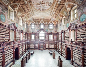 candida_hofer_biblioteca-dei-girolamini-napoli-i_2009