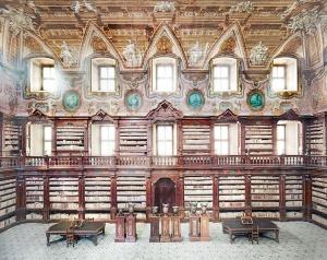 candida_hofer_biblioteca-dei-girolamini-napoli-ii_2009